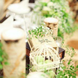 可愛らしい結婚式!会場装花にかすみ草を使って。