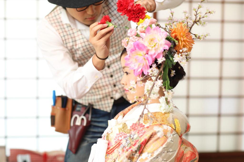 花衣で華やかな結婚写真を!前撮りにオススメです